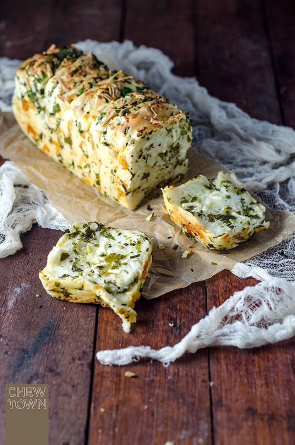 Garlic and Cheese Pull Apart Bread